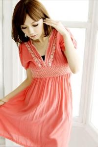 '.Розовое платье с вышивкой .'