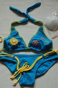 '.Раздельный голубой купальник с вышивкой р-р. 38 .'