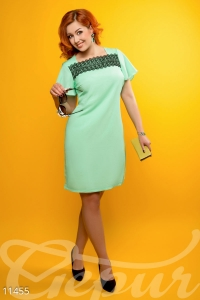 '.Платье с кокетливыми рукавами-фонариками .'